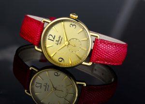 141213-daphne-red-v002-01
